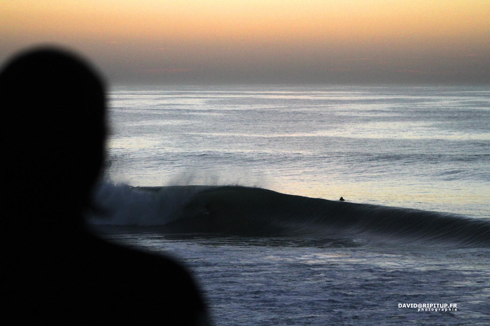 Marée haute, soleil couché, et pourtant, on a envie de rester. Photographe : David Ripitup