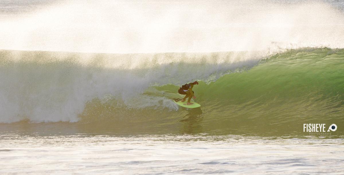 Miky Picon tout juste dans l'eau et déjà en action - photo : Fisheye Photographie