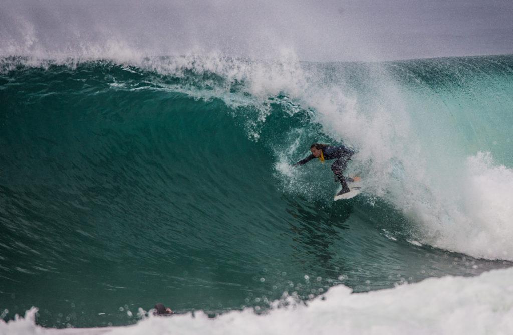 Photographe : Estim Association - surfeuse : Justine Dupont