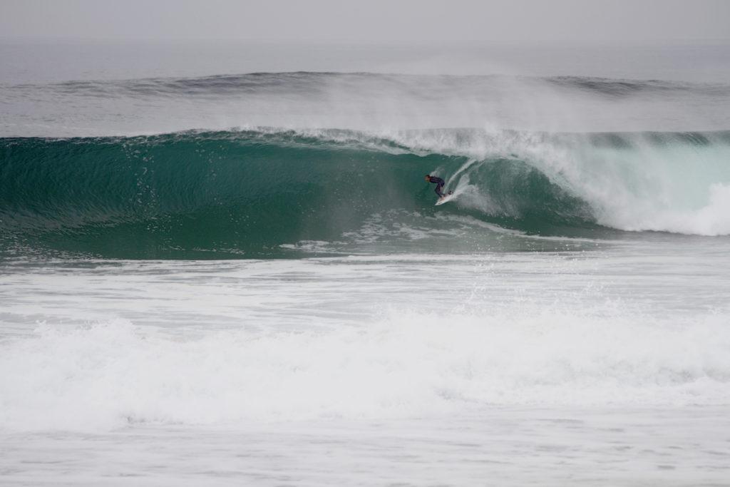 Photographe : @Kerchromatic - surfeur : Nelson Cloarec
