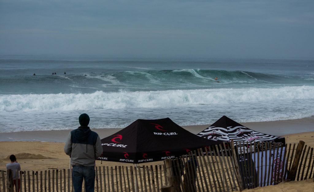 Photographe : Lezef - surfeur : Rémi Arauzo